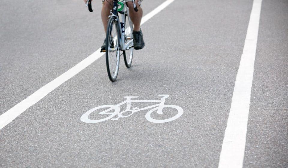 El carril bici del paseo marítimo de Valencia ya es transitable