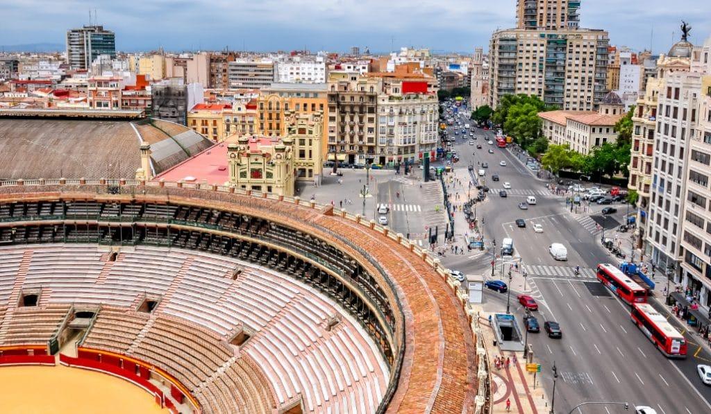 Vivo fuera de Valencia, ¿puedo ir a visitar a mis padres este fin de semana?