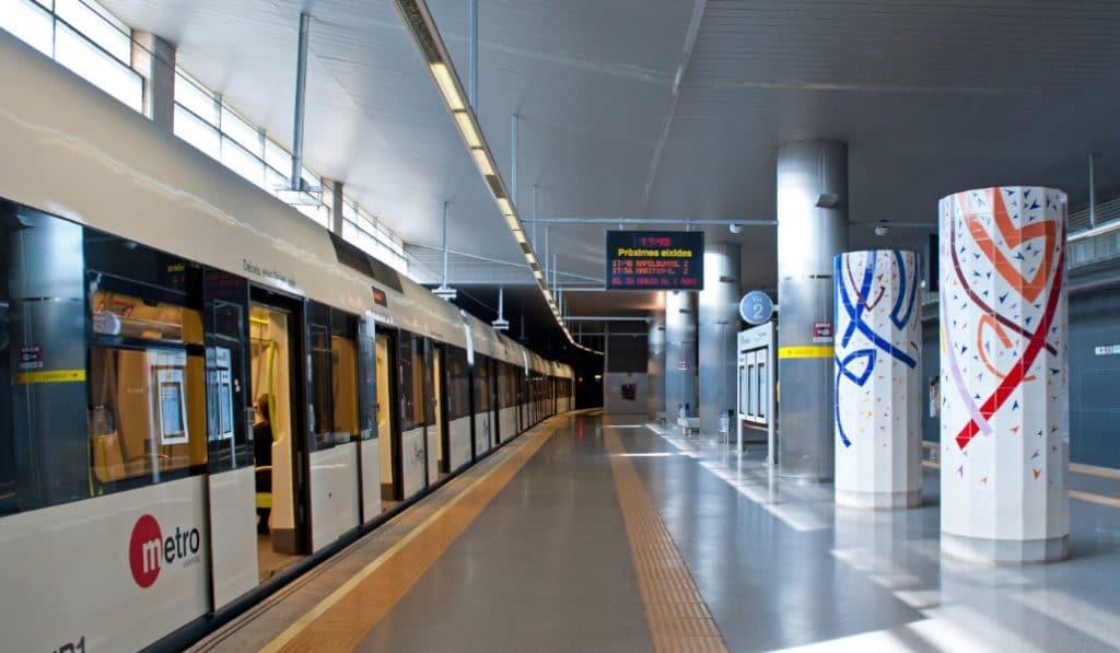Habrá controles en el metro para asegurar el cierre de Valencia los fines de semana