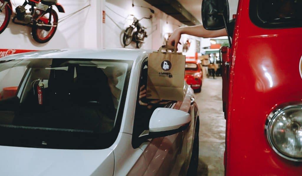 Garaje Foodie: recoge tu comida desde el coche en Valencia