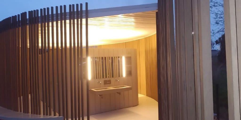 Valencia estrena baños públicos en el Jardín del Túria