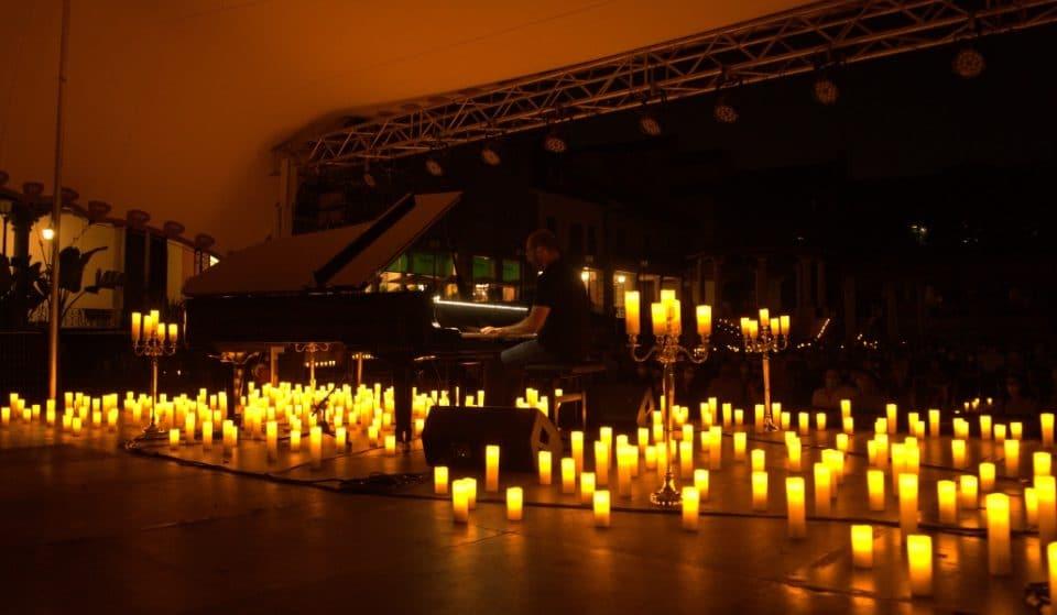 Ludovico Einaudi: un homenaje al aire libre y a la luz de las velas