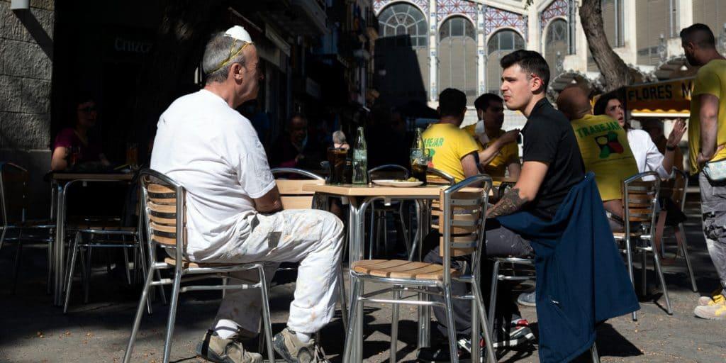 La Comunitat Valenciana reabre el interior de bares y restaurantes