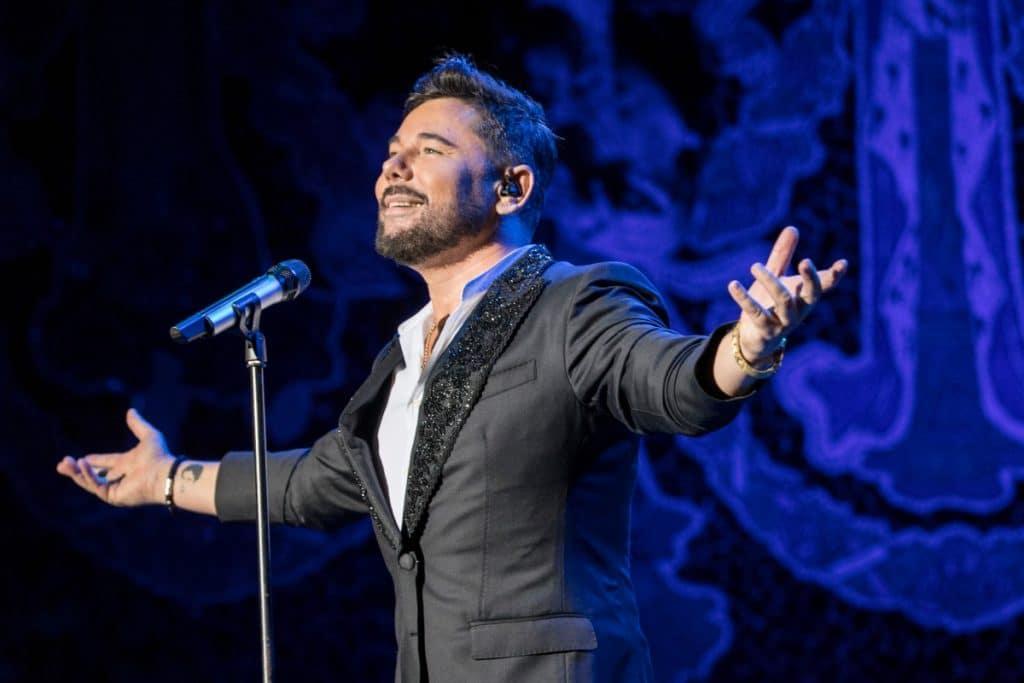 Miguel Poveda llega a Valencia en un concierto exclusivo al aire libre