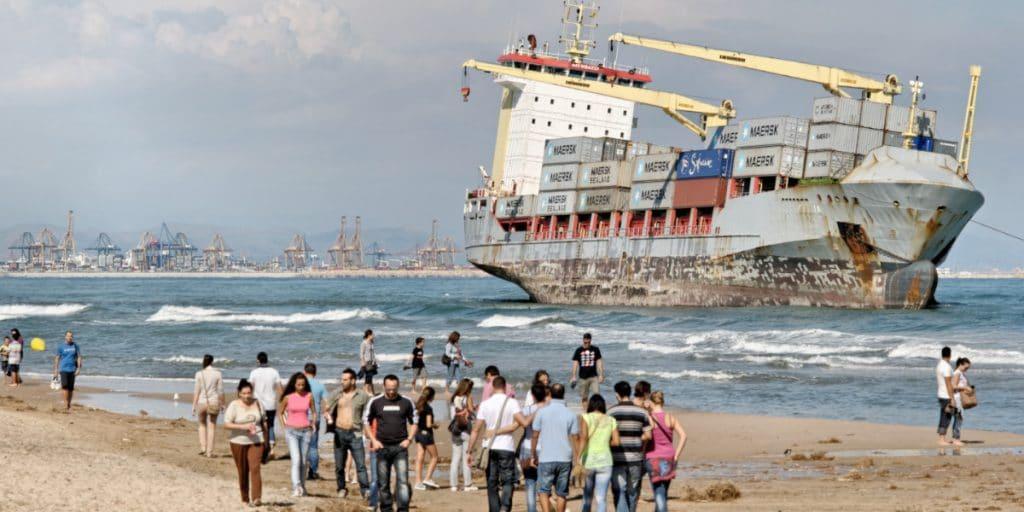 El día que dos barcos encallaron en la playa de El Saler