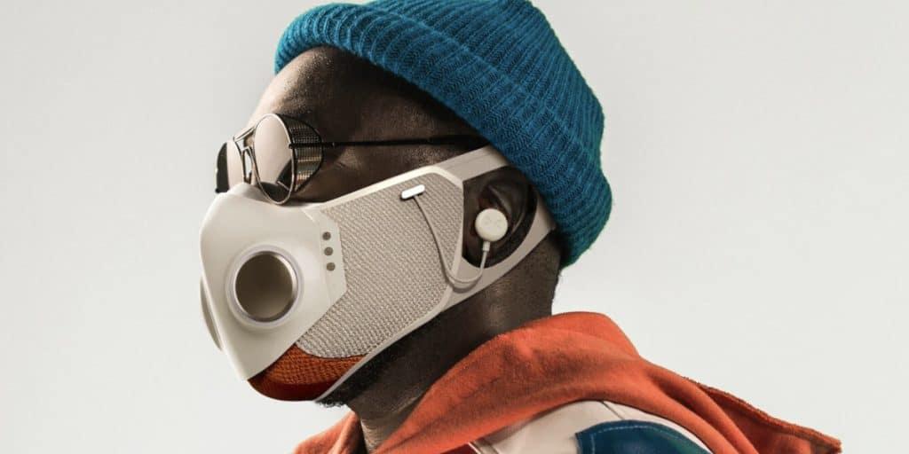 Así es Xupermask, la mascarilla con auriculares, ventilador, luces LED y antivaho