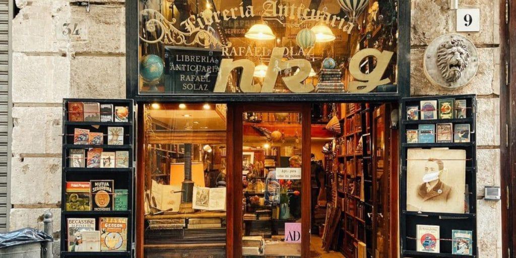 Librería Anticuaria Rafael Solaz: una de las librerías más bonitas de Valencia