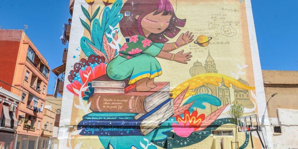 Un nuevo mural en el Cabanyal homenajea a la primera mujer matemática