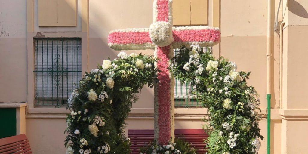 41 «cruces de mayo» adornan las calles de Valencia