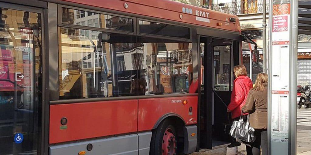 Los autobuses de la EMT admitirán de nuevo efectivo a partir del lunes