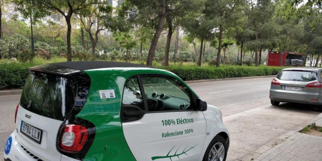 Llegan a Valencia los coches eléctricos de alquiler
