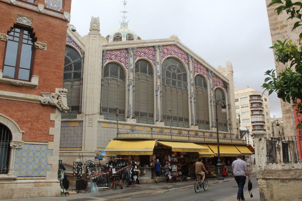 Arrancan las obras de peatonalización en la Plaza de Brujas