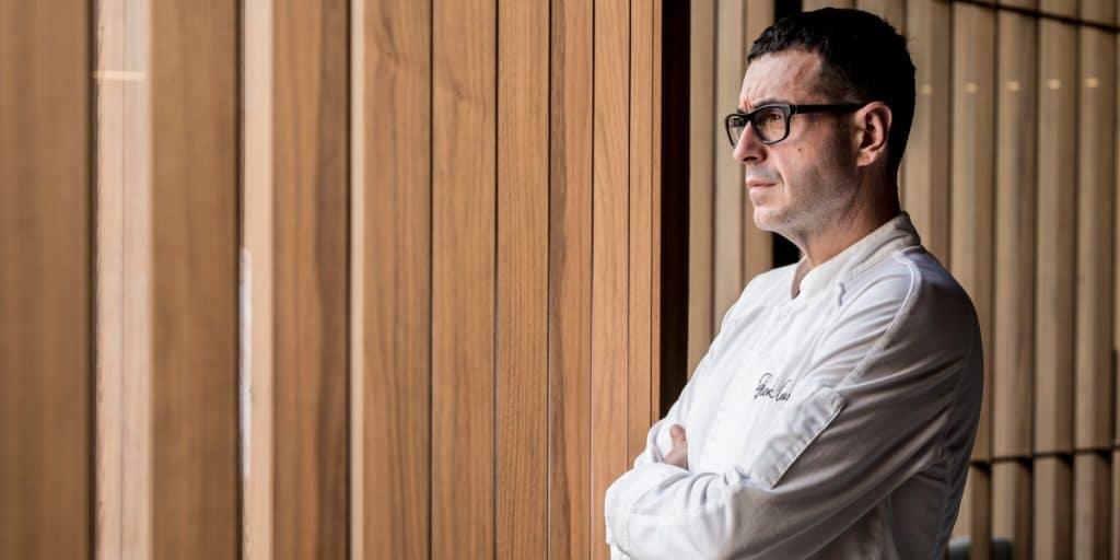 El cocinero valenciano Ricard Camarena recibe el premio «Cocinero del Año» 2021