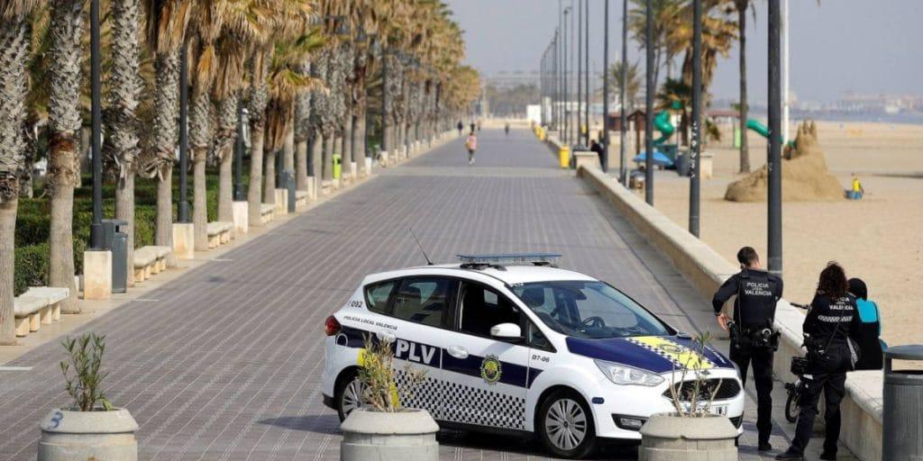La Policía vallará todas las playas de Valencia para evitar aglomeraciones en San Juan