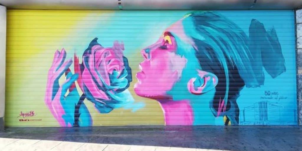 Artistas urbanos decoran el cierre de los Corte Inglés de Valencia
