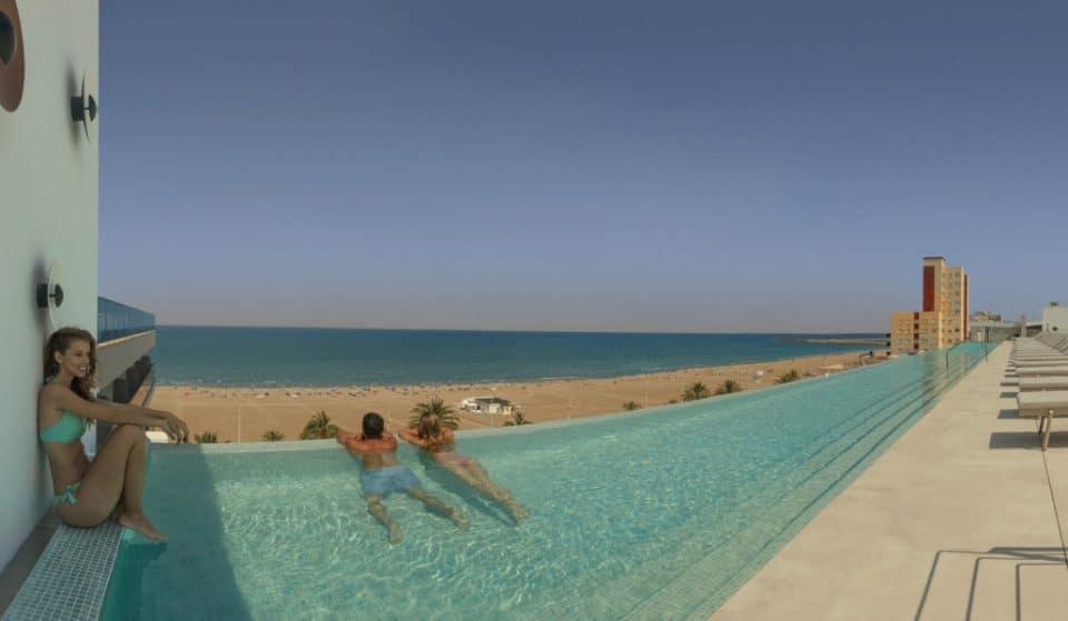 Una piscina 'infinity' de 35 metros, la nueva atracción de la Comunitat Valenciana