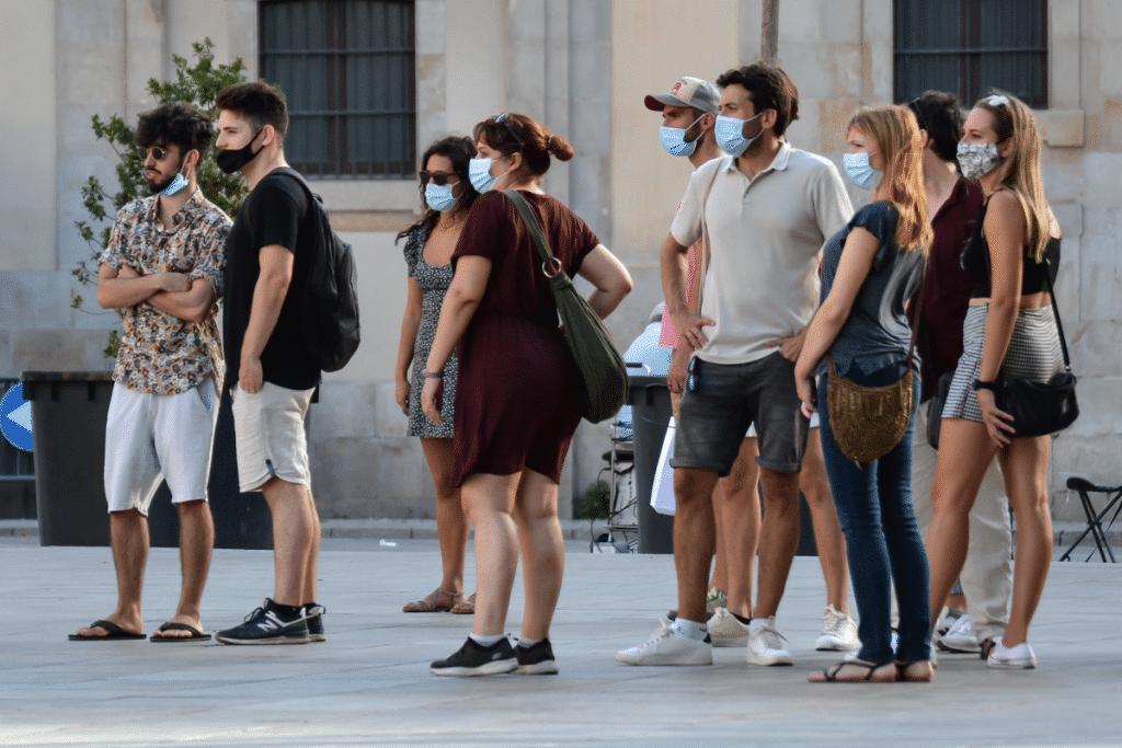 La mascarilla en exteriores dejará de ser obligatoria el 26 de junio