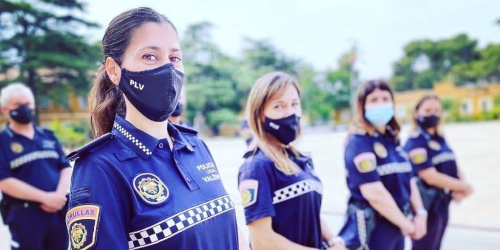 Las mujeres cumplen 40 años en la Policía Local de Valencia