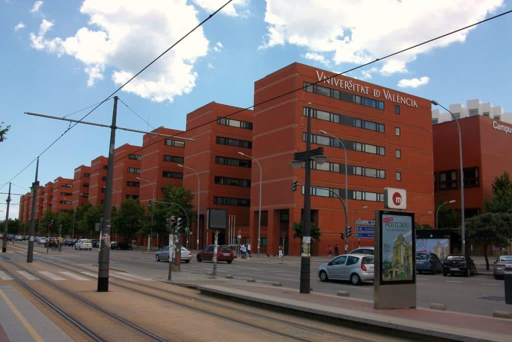 Dos universidades de Valencia entre las ocho mejores de España